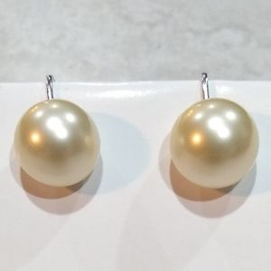Trifari Clip ons pearl earrings